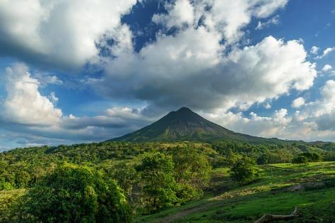 volcano-2355772_640