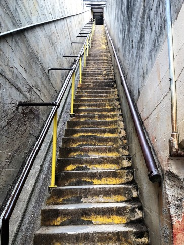 Diamond Head -- stairs